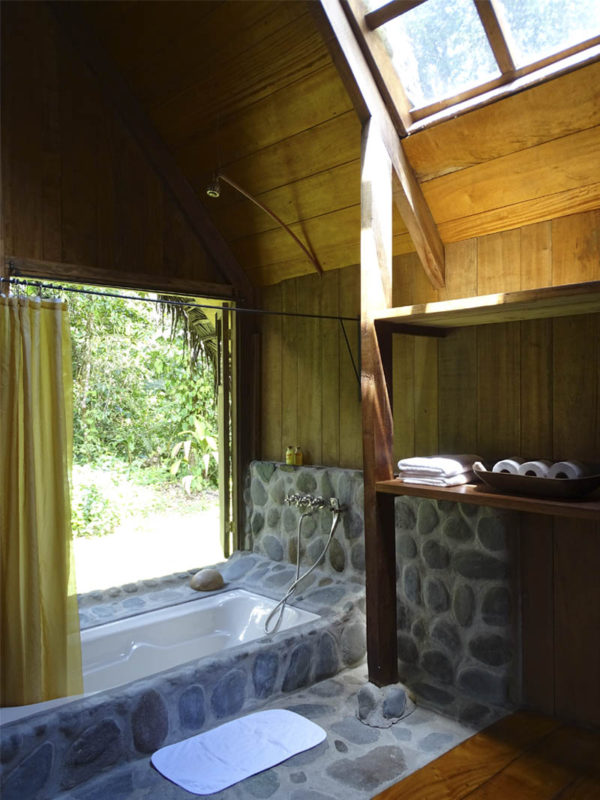 Bathroom at El Monte Sustainable Lodge Ecuador