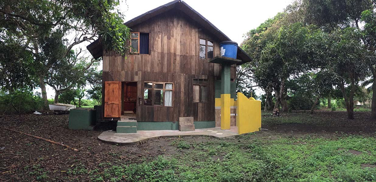 Backyard Casa Tenorio Bolivar Ecuador