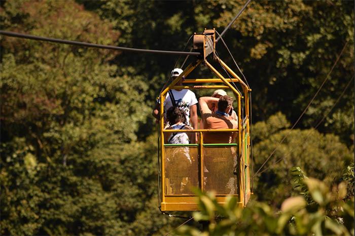 Taravita de Montaña Mindo Ecuador El Monte Sustainable Lodge