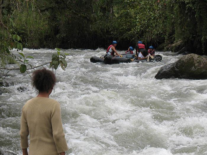Rafting Rio Mindo Ecuador El Monte Sustainable Lodge